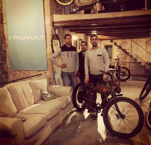 Team Rayvolt im HQ